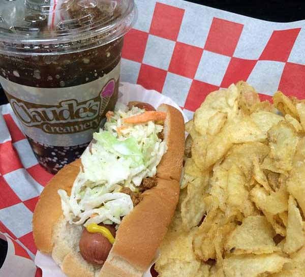 claude's-creamery-hot-dog