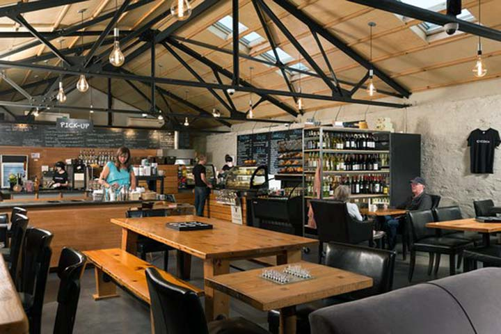 cocoon-coffee-house-and-bakery-interior