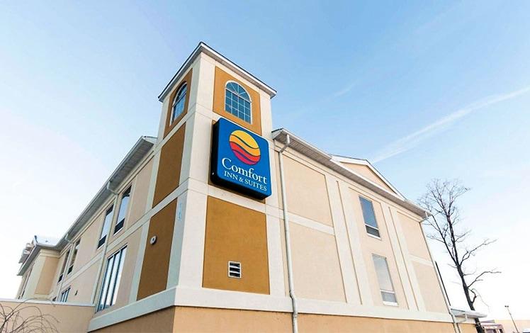 comfort-inn-and-suites-mount-pocono-exterior