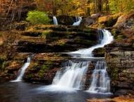 dingmans falls main waterfall