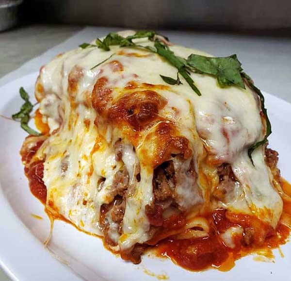 dominics-pizza-lasagne-serving