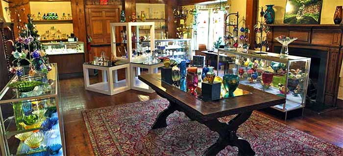 dorflinger-glass-museum-gift-shop-interior