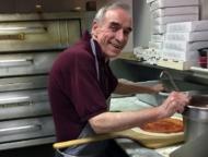 doughboys-of-the-poconos-pizza-maker