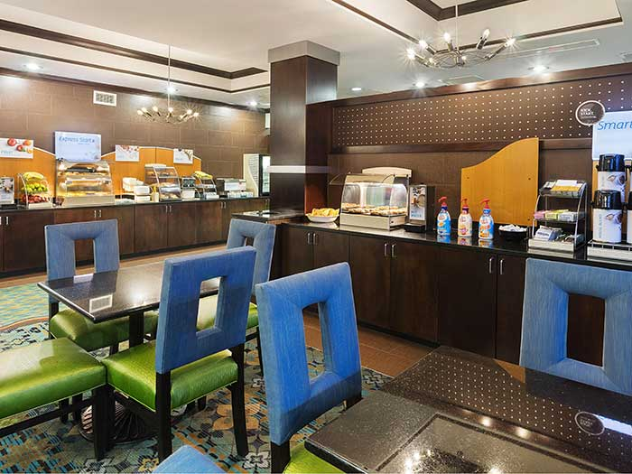 holiday-inn-express-and-suites-stroudsburg-breakfast