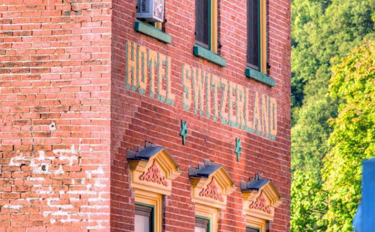 hotel-switzerland-jim-thorpe-front-of-the-build