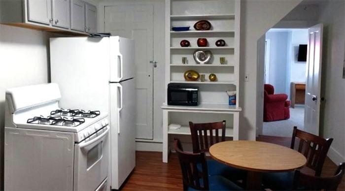 hotel-wayne-suite-with-kitchen