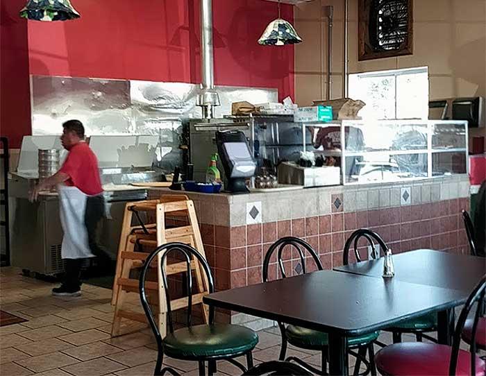 julio's-pizza-counter