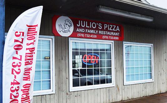 julios-pizza-exterior-windows