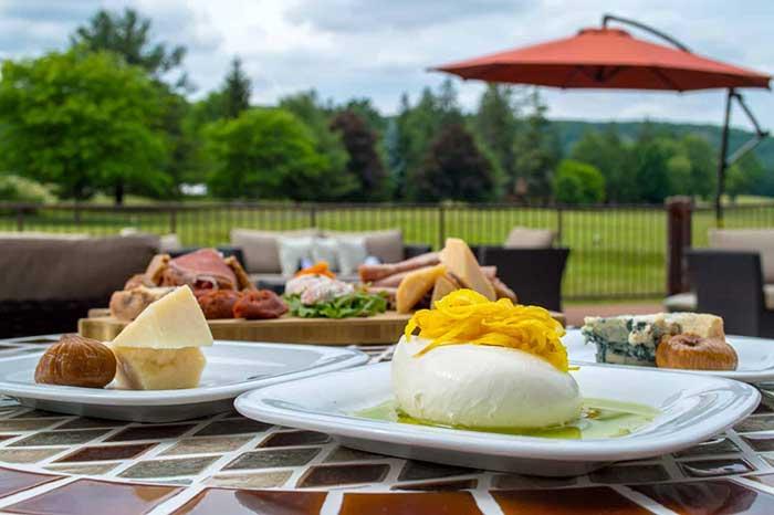 lakeview-at-skytop-lodge-dining-lakeside