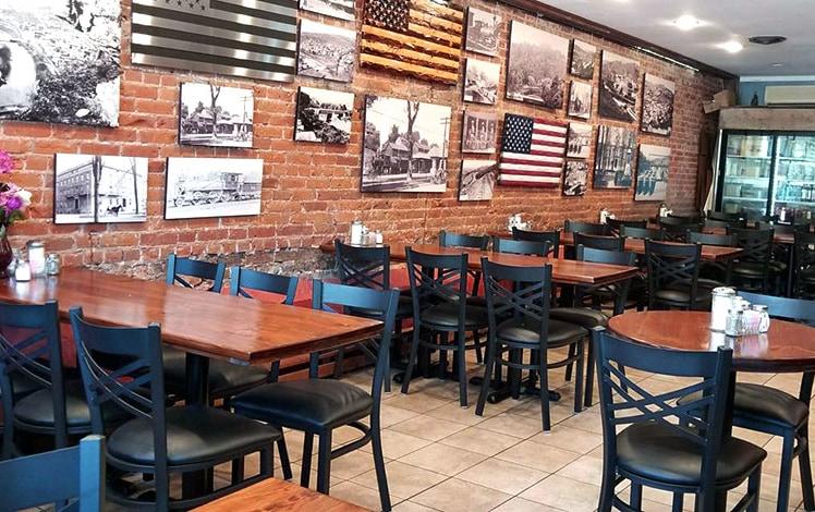 laurel's-hometown-cafe-dining-room