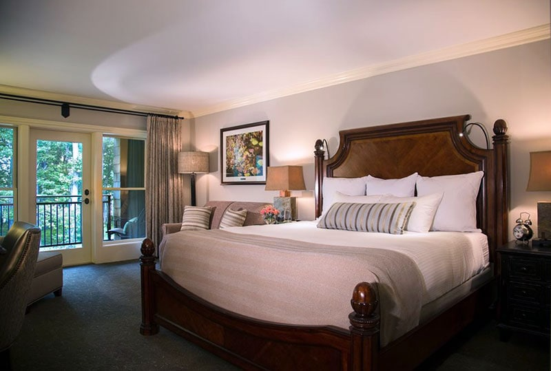 lodge-at-woodloch-spa-resort-guest-room