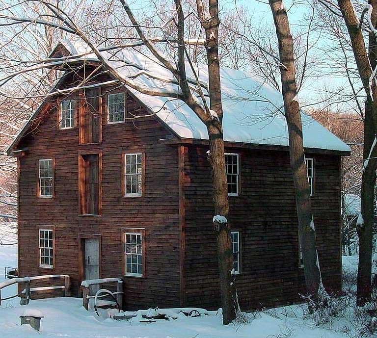 millbrook-village-old-wooden-farmhouse