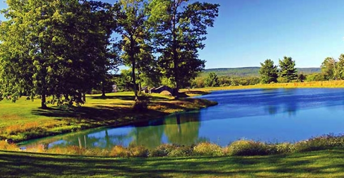 mount-airy-casino-golf-course-pond