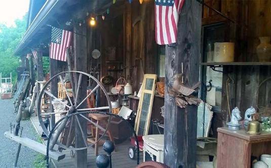 mountain-home-antiques-exterior-760