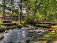 mountainhome cottages and stream