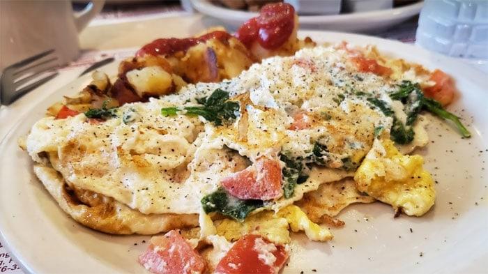 mountainhome-diner-breakfast-omelet