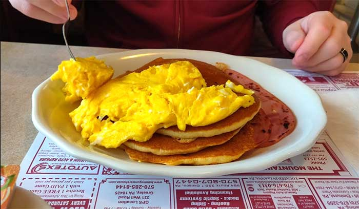 mountainhome-diner-pancakes-and-eggs