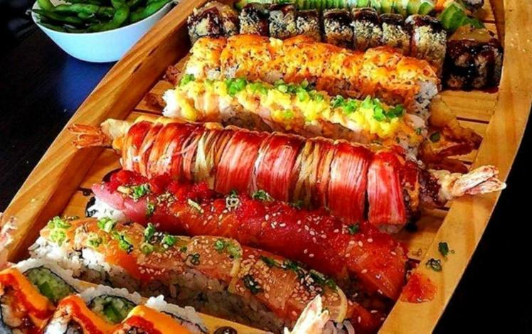 sushi boat and edamame