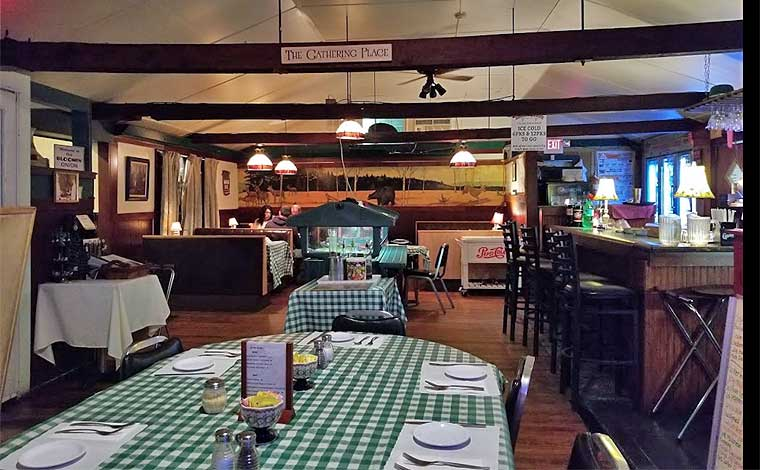 neville's-bloomin-onion-dining-room