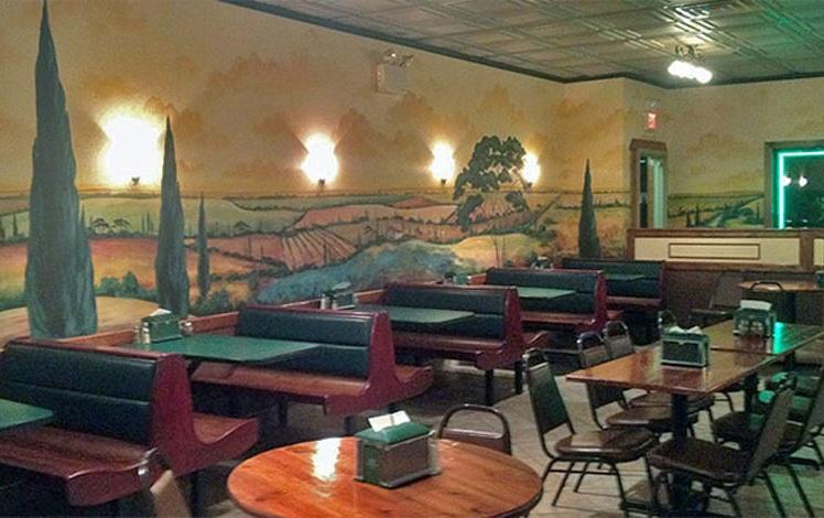 papa-santos-pizza-dining-room-murals