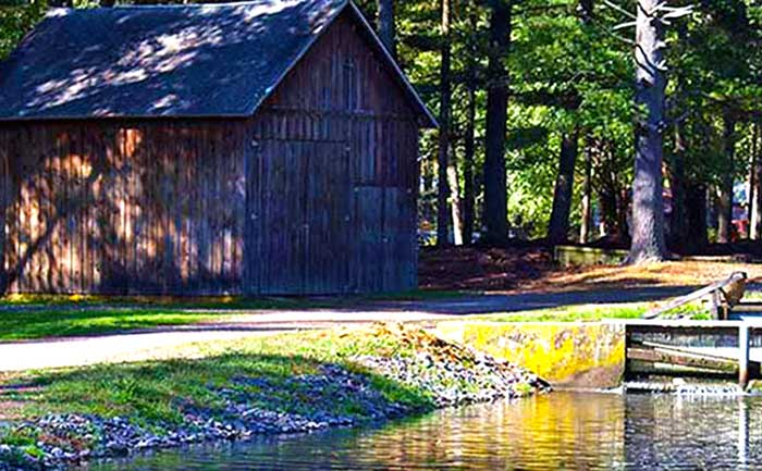 paradise-fishing-preserve-hatchery-barn