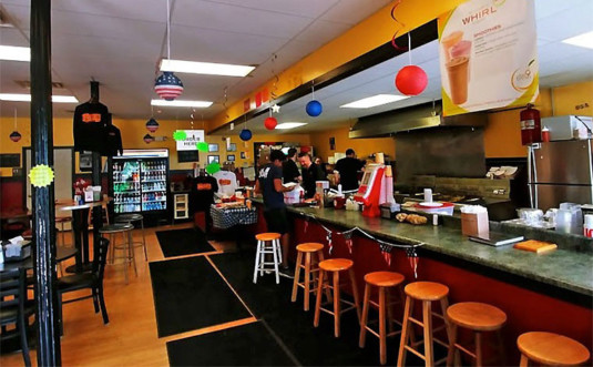 paulies-hot-dogs-honesdale-pickup-counter