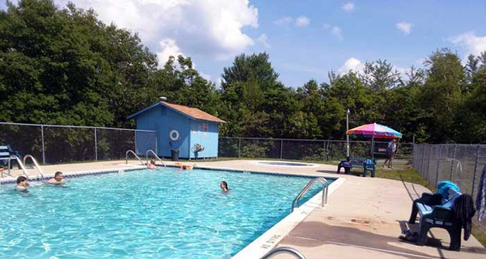 peaceful-woodlands-family-campground-heated-outdoor-pool