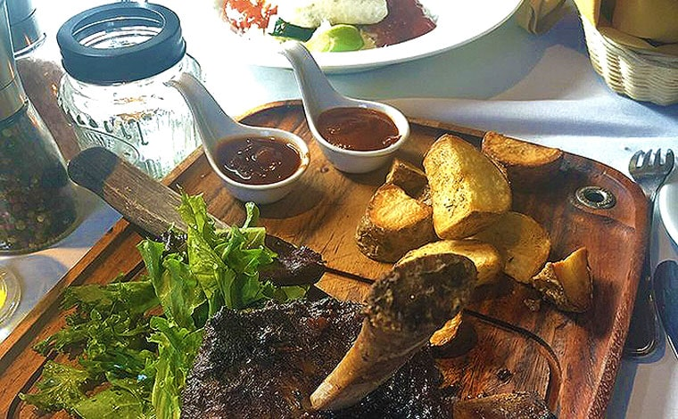 peter's-europa-house-braised-short-ribs-board