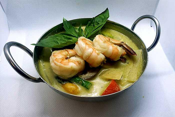 phuthai 611 priyan ga shrimp dish
