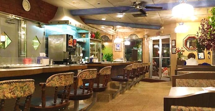 pioneer-diner-inside