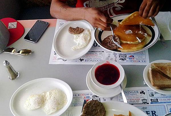 pioneer-diner-pancakes-and-eggs