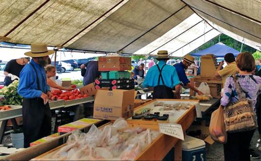 poconos-farm-market-main-tent