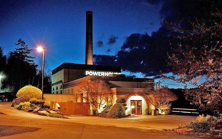 powerhouse-eatery-exterior-night