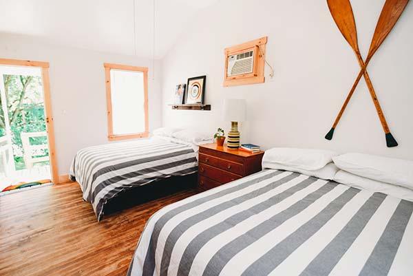 rainbow-mountain-resort-cabin-bedroom