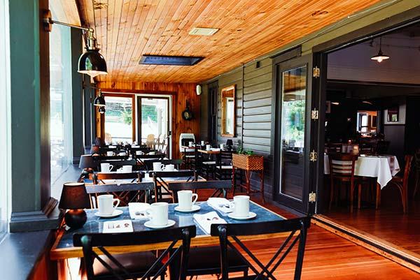 rainbow-mountain-resort-indoor-patio-dining-tables