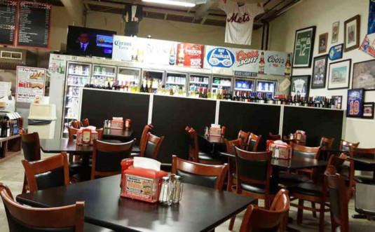 ray-n-charles-milford-diner-dining-room
