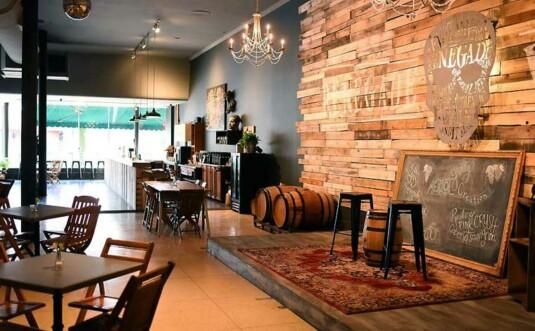 renegade winery main wine tasting room
