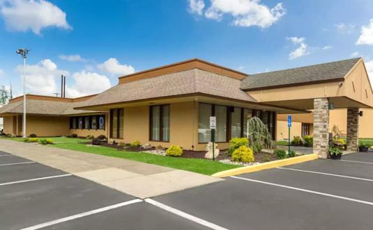 rodeway-inn-&-suites-delaware-water-gap-exterior