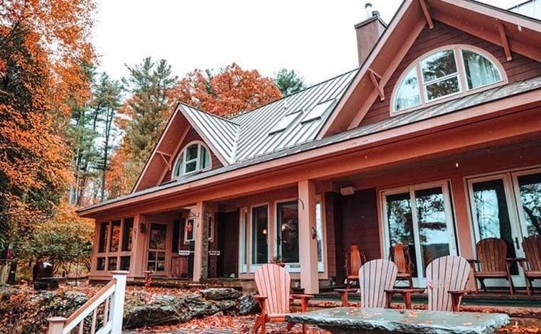santosha-on-the-ridge-front-of-house