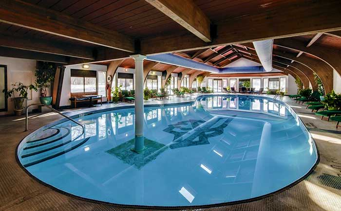 shawnee-inn-and-golf-resort-indoor-pool