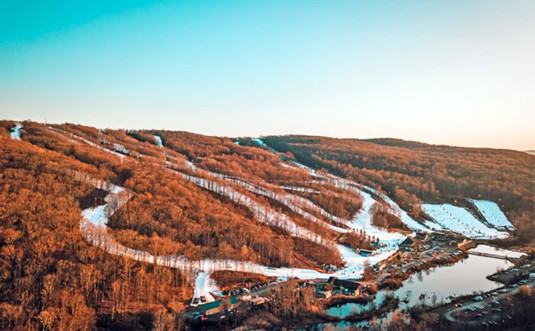 shawnee-mountain-ski-area-aerial-view-of-trails-lake