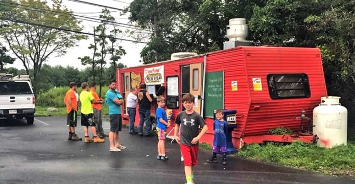 sherry's-place-a-food-truck-kids-and-trailer
