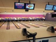 skylanes-bowling-center-lanes