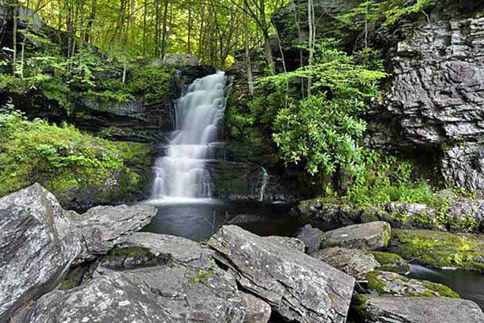 Hike the White Birch Trail to Indian Ladder Falls