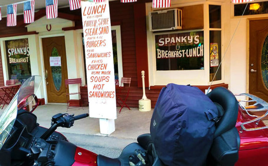 spanky's-country-breakfast-and-lunch-motorcycle-parked-out-front