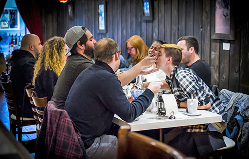 stroudsburg-eats-group-of-diners-around-table-teaser