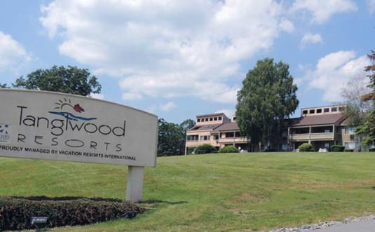 tanglwood-resort-condos-entrance