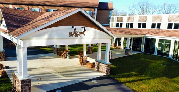 the-carriage-house-entrance-carport
