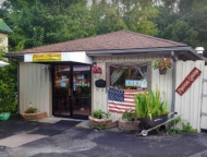 front view of tiny shack of restaurant