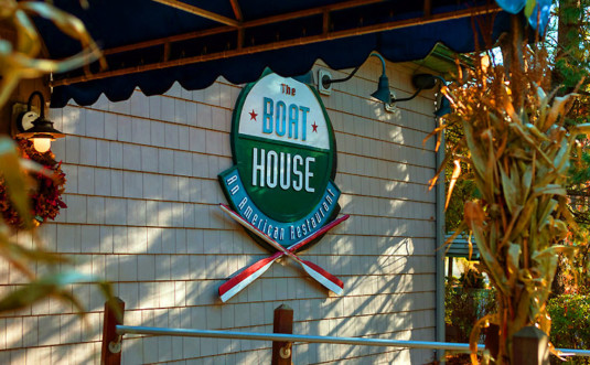 the-boat-house-front-awning-and-sign